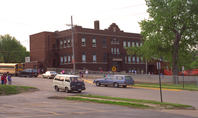 Die Schule, wo ich 6. / 7. Klasse besucht – Frühjahr 1992
